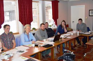 Fra møtet om uttale jordbruksforhandlingene 1. mars 2016 på Skarstua ved Molde. Fra venstre: Vegard Smenes, Anne Katrine Jensen, Oddvar Mikkelsen, Petter Melchior, Gunnhild Overvoll og Inge Martin Karlsvik.