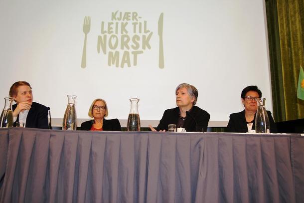 Åsmund Aukrust (AP), Marit Arnstad (SP), Ola Elvestuen (Venstre) og Ingunn Foss (Høgre) i debatt på representantskapsmøtet til Norges Bondelag.