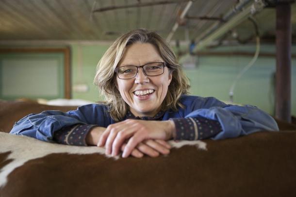 Lise Kaldahl Skreddernes driver verdens nordligste gård med melkeproduksjon.