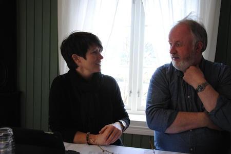 Aud Hove og Trond Ellingsbø under duggurd'n på Hågå.
