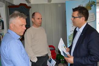 Fra venstre: Charles Tøsse (H), Steinar Reiten (KrF) og Frank Sve (Frp).