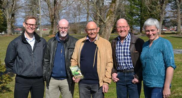 Her har vi fra venstre Erlend Stabell Daling, Jostein Vik, Reidar Almås, Asbjørn Helland og Tove Hatling Jystad, som var møteleder.