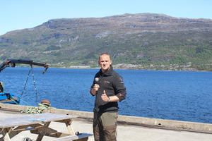 Jon Georg Dale rosa arbeidet med ny tømmerkai i Eikefjord.