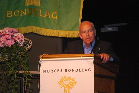 Lars Opsal jr holdt innlegg om jordvern på Norges Bondelags årsmøte 2016