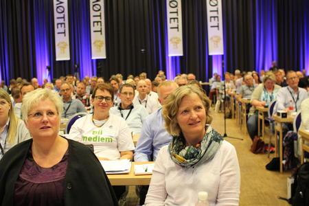 Årsmøtet i Norges Bondelag vedtok nytt næringspolitisk progra. Kristin Ianssen t.h. leia arbeidet.