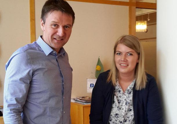 Leder i Norges Bondelag, Lars Petter Bartnes og leder i Norges Bygdeungdomslag, Gunn Jorunn Sørum signerte samarbeidsavtale sist uke.