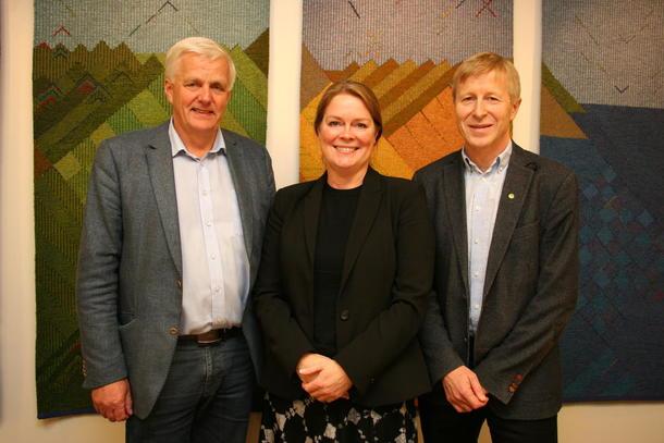 Styreleder i Strand Unikorn, Axel Krogvik, styreleder i Felleskjøpet Agri, Anne J. Skuterud og generalsekretær i Norges Bondelag, Per Skorge.