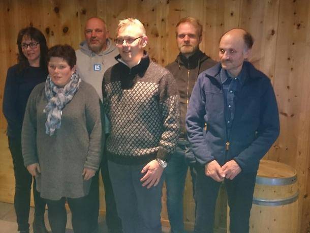 ALLE SOM VAR PÅ VAL I STYRET, TOK ATTVAL:  Margun Myrmel Øren, Britt Siri Hauken, Leif Bjørvik, Jarle Lundekvam, Nils Arve Styve og Kjell Fauske.