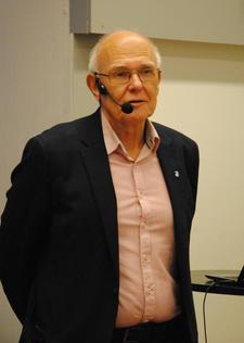 Ordfører i Gjøvik, Bjørn Iddberg, ønsket velkommen til Gjøvik.