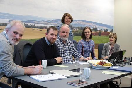 Aksjonsutvalget i Norges Bondelag, fv: Einar Frogner, Oddvar Mikkelsen, Trond Ellingsbø, Astrid Solberg, Tora Voll Dombu, Lise Boeck Jakobsen. Unni Hellebø Andreassen var ikke tilstede.