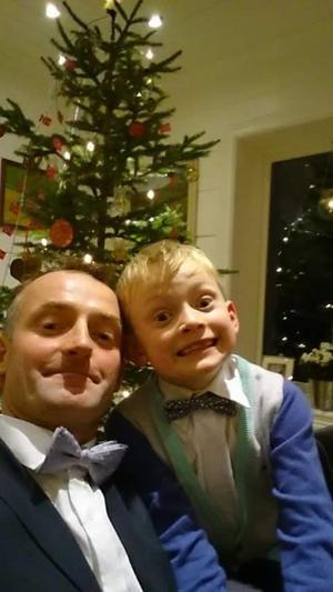 FAMILIETID: Anders Felde og sonen Jacob Felde.