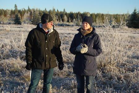 Nydyrkingsprosjekt på Haslemoen i Våler i Hedmark. Hedmark Bondelag ved Erling Aas-Eng maner Våler-ordfører Lise Berger Svenkerud til å få fortgang i saken. Bildet er tatt ved en felles befaring i desember 2015