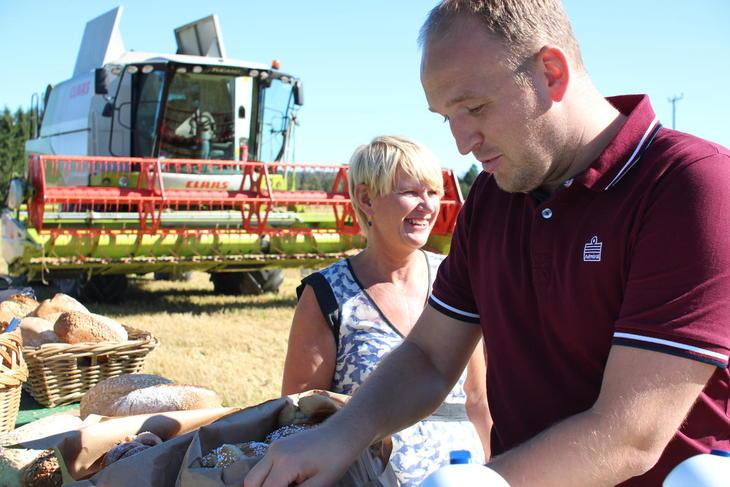 Jon Georg Dale på tresking i høst. Men hva er planen hans for landbruket?