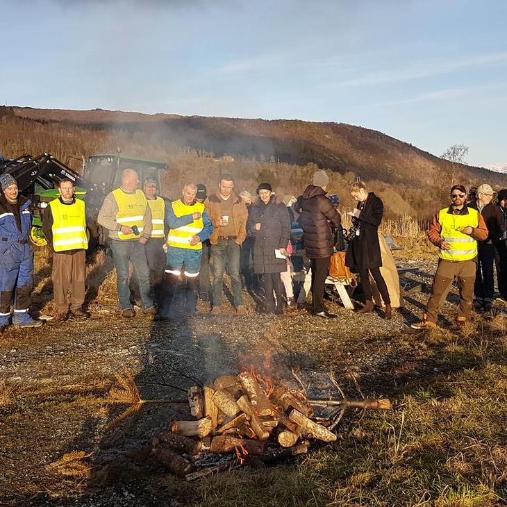 Lokallaga i Nordhordland med bål i Knarvik