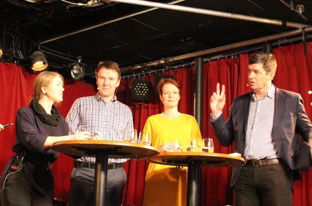 Fra venstre: Une Aina Bastholm, Lars Petter Bartnes, Line Henriette Holten Hjemdal og Gunnar Gundersen.