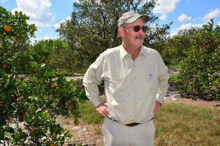 Appelsinbonde Mike Carter