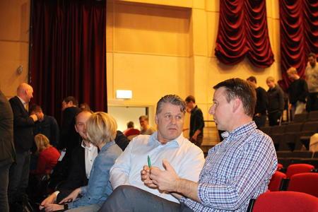 Lokalpolitiker Erling Gresseth fra Høyre, sammen med Lars Petter Bartnes.