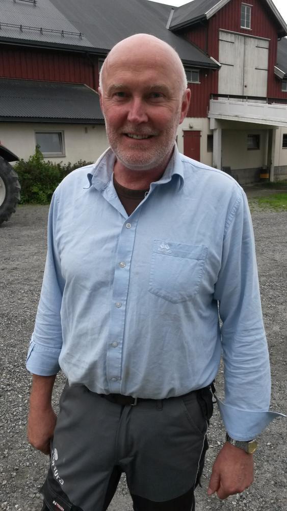 Svend Arild Uvaag hjemme på gården