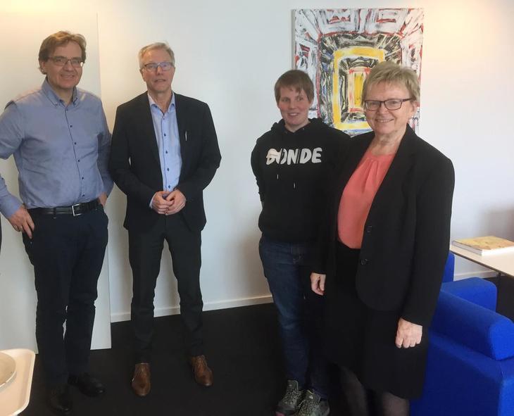 Frå venstre: Geir Skadberg (landbruksdirektør), Harald Thune (assisterande fylkesmann), Marit Epletveit (leiar i Rogaland bondelag) og Magnhild Meltveit Kleppa (fylkesmann).