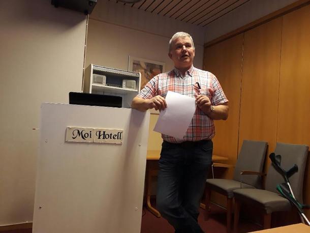 Leiar i jordvernutvalet, Ole Andreas Byrkjedal, innleia møtet.