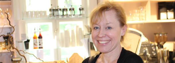 Annechen Bahr Bugge heier på bonden. Foto: Dag Inge Danielsen, Forskningsdagene.no