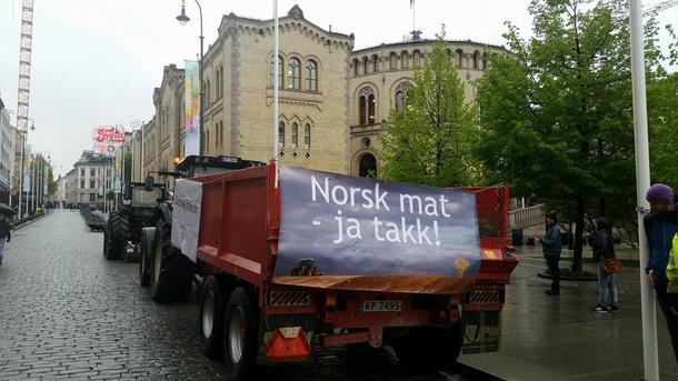 Traktoraksjon foran Stortinget