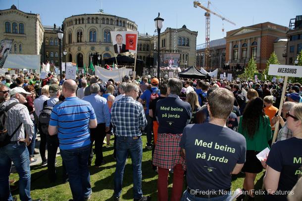 Flere tusen samlet var med i opptoget for norsk matproduksjon etter bruddet i jordbruksforhandlingene i 2017.