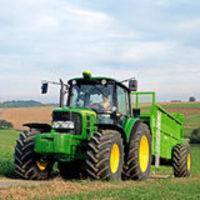 Sikker bruk av traktor er et av temaene i HMS-kampanjen, illustrasjonsfoto: Jon Gisle Vikan.