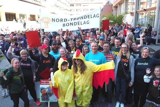 Nordtrønderske bønder aksjonerte i Oslo 23. mai