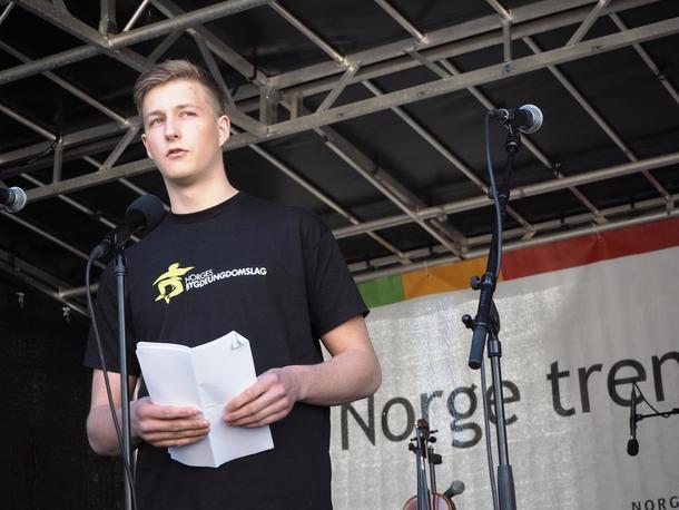 Bygdepolitisk nestleder, Torstein Klev (Inderøy), holdt en viktig appell på vegne av Norges Bygdeungdomslag.