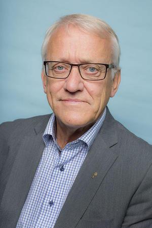 Ole Jacon Hjelmen er advokat i Norges Bondelag og medlem i utvalget som har levert forslag til ny fjellov.