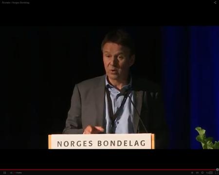 Leder i Norges Bondelag, Lars Petter Bartnes, vil ha en forsterka beredskap i forhold til rovdyrsituasjonen.