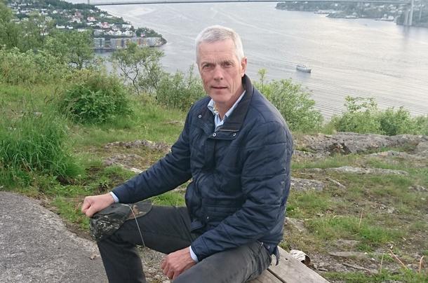 Dagfinn Torstveit held hovudinnlegget på det opne debattmøtet i Tysværtunet 28. august.