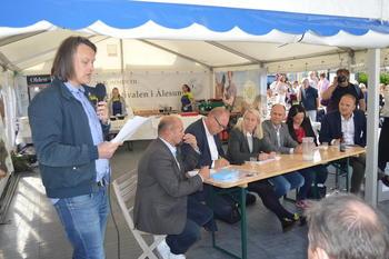 Øyvind Havåg (t.v.) fortalte om familieprosjektet Norges Matfat – om familien som spiser utelukkende norsk mat i ett år.