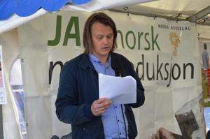 Øyvind Havgåg fortalte om erfaringene fra prosjektet (Foto: Arild Erlien)