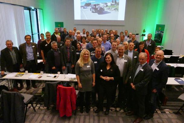Alle lokallagsleiarar i bondelag i Rogaland er kvart år samla til leiarmøte, saman med gjester frå andre landbruksorganisasjonar og inviterte foredragshaldarar. I år var denne gjengen samla.