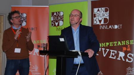 Eivind Haalien, kategorisjef lokalmat og spesialiteter i Norgesgruppen, og Dag Henning Reksnes, direktør i Matprat.