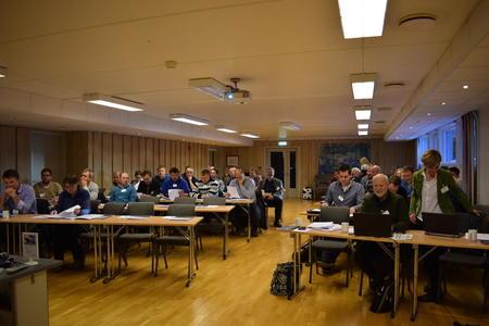 Foto: Deltakere på ledermøte.