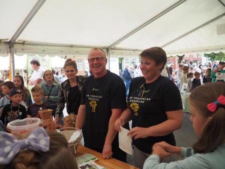 Rissa Bondelag på stand under matfestival