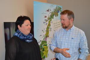 Styremedlem i Norges Bondelag, Birte Usland og fylkesleder Oddvar Mikkelsen (Foto: Arild Erlien).