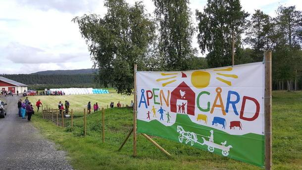 Alta Bondelag arrangerte åpen gård med 1300 deltagere hos familien Hykkerud