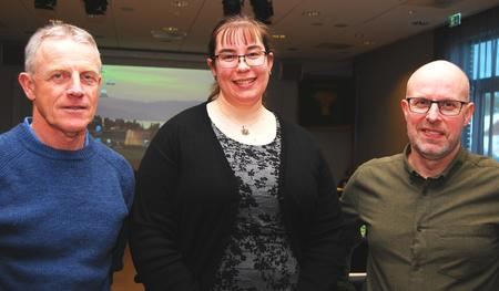 På årsmøtet i Hedmark Bondelag tok Harald Håkenrud, som er fadder for lokallagene i sørfylket og Anne-Lise Brenna Ording, som er leder i Brandval og Vinger Bondelag, opp saken,  og fikk støtte av fylkesleder Erling Aas-Eng og en enstemmig forsamling.