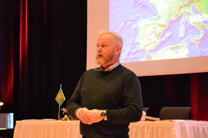 Tidligere forsvarssjef, Harald Sunde, snakket om beredskap og matvaresikkerhet på årsmøte til Nord-Trøndelag Bondelag.