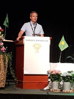 Kristian Bleken på talerstolen