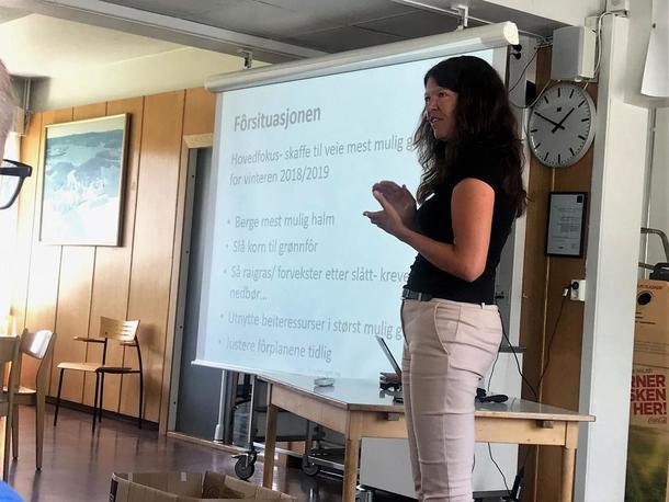 Rådgiver i Norges Bondelag, Elin Marie Haga Stabbetorp informerte om fôrsituasjonen og avlingsskadeerstatninga.
