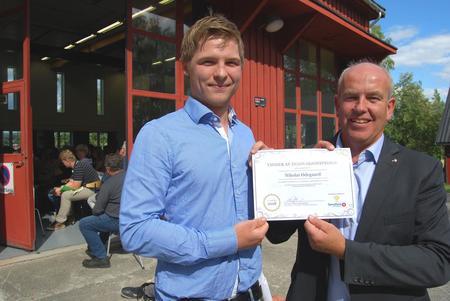 Hedmark Bondelag og Sparebank 1 Østlandet tildelte innovasjonsprisen for 2018 til Blæstad-student Nikolai Ødegaard