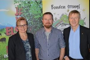 Næringspolitisk sjef i Norges Bondelag, Margrete Nøkleby, fylkesleder Oddvar Mikkelsen og generalsekretær Per Skorge (Foto: Arild Erlien).