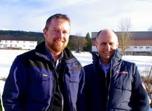 Fylkesleder i M&R Bondelag, Oddvar Mikkelsen (t.v.) fester sin lit til at Kristelig Folkeparti vil rydde opp og viser til at landbrukspolitisk talsmann i partiet, Steinar Reiten, har uttrykt skepsis.