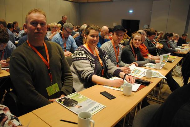 Valdriser på kurs. F.v. Jan Erik og Lena Lisjordet, Eirik Brujord og Henriettet Mauseth. For oss har dette blitt en tradisjon. Parene har vært med en og to ganger tidligere. Vi liker svært godt kombinasjonen av faglig påfyll og en sosial arena, sier de. Her har vi lært mye før, og det blir gode diskusjoner i etterkant hjemme. Det er alltid noe nytt å ta med seg.