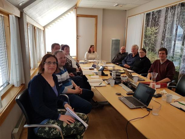 Anne Andberg fra Mattilsynet sammen med fylkesstyret i Oppland Bondelag